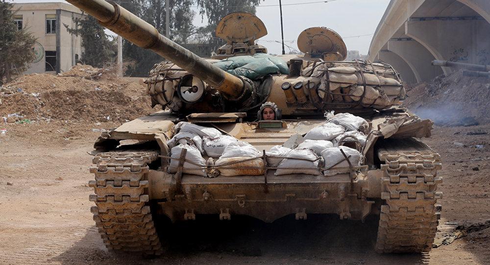 Tanque sirio al este de Damasco