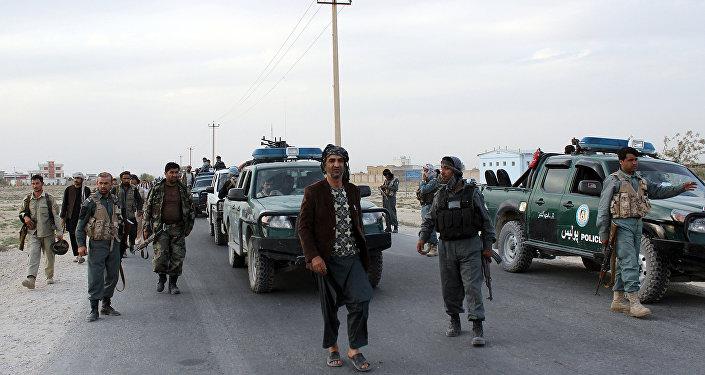 Atentado suicida contra un convoy dejó 1 muerto y 22 heridos — Kabul