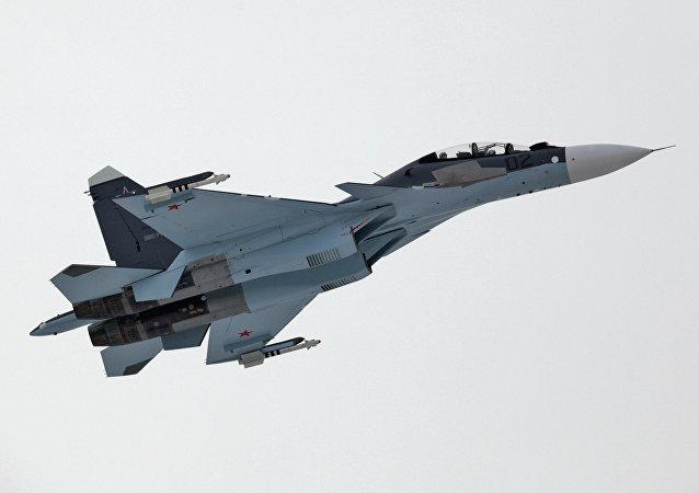 Caza Su-30 de Fuerza Aérea rusa