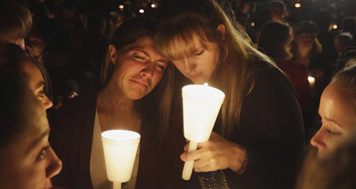 Homenaje a las víctimas del tiroteo en el estado de Oregon