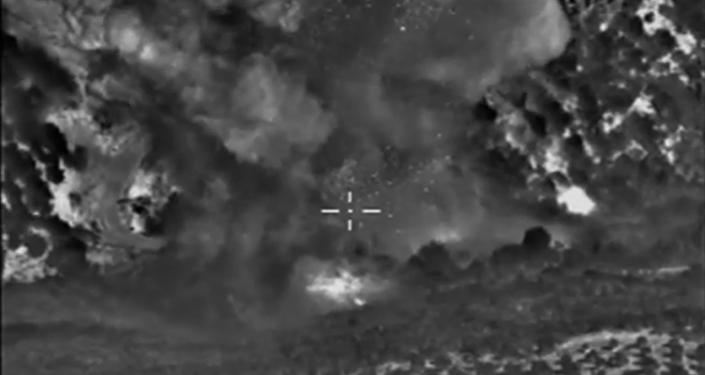 Aviación rusa bombardea objetivos del EI en Ildib y Raqqa