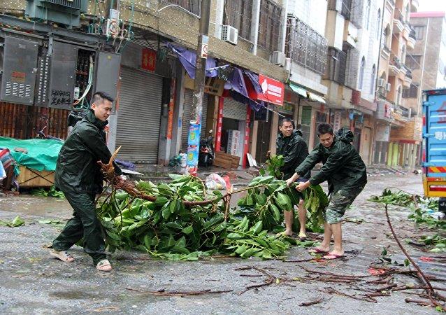 Destrucción causada por un tifón (archivo)