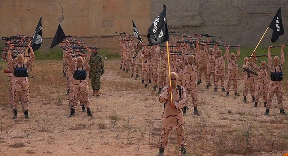 Militantes del Estado Islámico (Archivo)