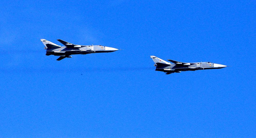 Bombarderos tácticos rusos Su-24 (Archivo)