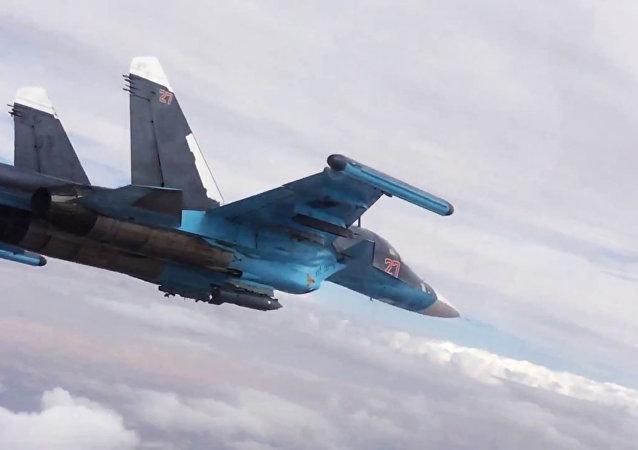 Caza rusa bombardea las posiciones de EI en Siria