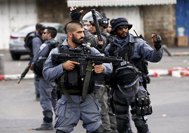 Policías israelíes