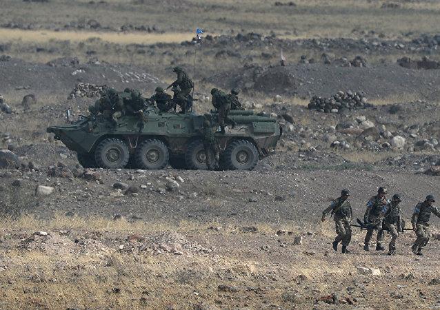Ejército de Armenia durante maniobras