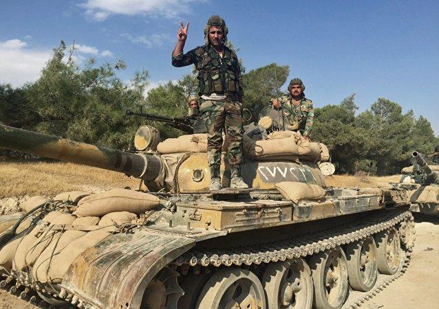 Soldados del Ejército sirio en la provincia de Hama