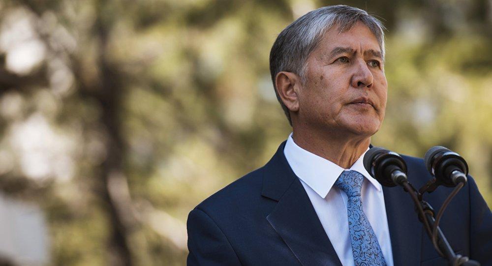 Almazbek Atambáev, expresidente de Kirguistán (archivo)