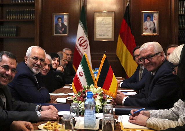 El canciller de Irán, Mohammad Javad Zarif y su homólogo de Alemania, Frank-Walter Steinmeier