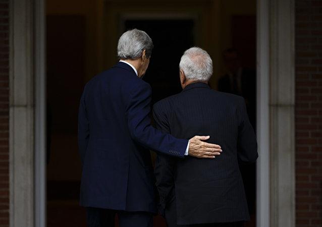 Secretario de Estado de EEUU, John Kerry y ministro de Exteriores de España, José Manuel García-Margallo