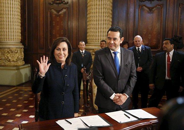 Candidatos presidenciales de Guatemala Sandra Torres y Jimmy Morales