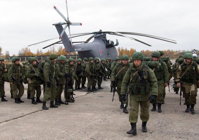 Ejercicios de las Fuerzas Aerotransportadas en el noroeste de Rusia
