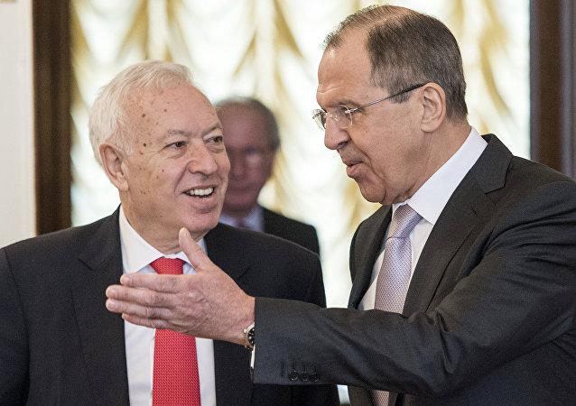 Ministro de Exteriores de España José Manuel García-Margallo y ministro de Exteriores de Rusia Serguéi Lavrov
