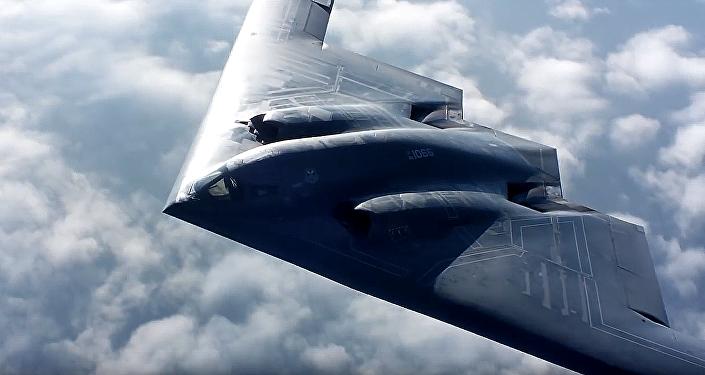 """El vuelo de un """"bombardero furtivo"""" en alta definición"""