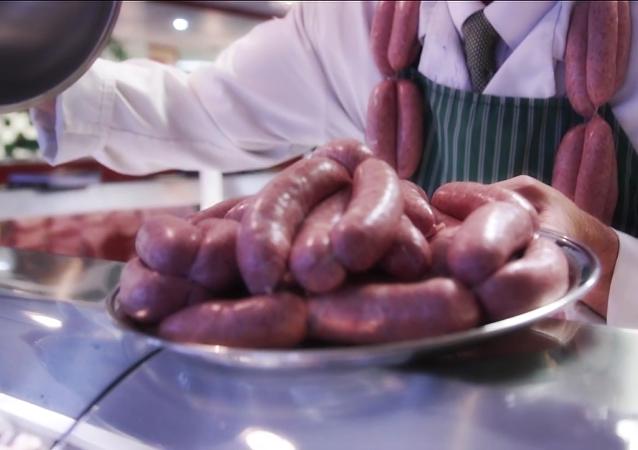 Un británico prepara la salchicha más cara del mundo