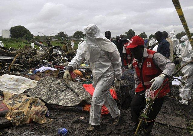 Los restos del avión de carga An-12 siniestrado en Sudán del Sur