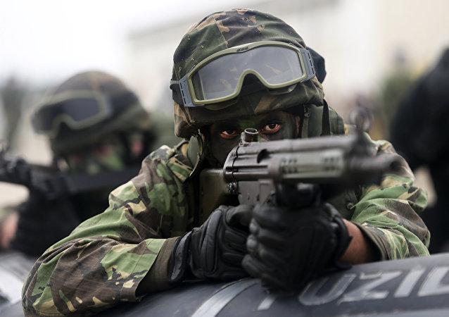 Soldados durante las maniobras de la OTAN Trident Juncture 2015