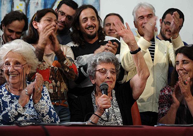 Presidenta de la organización Abuelas de Plaza de Mayo, Estela de Carlotto, y una de las fundadoras, Delia Giovanola (archivo)