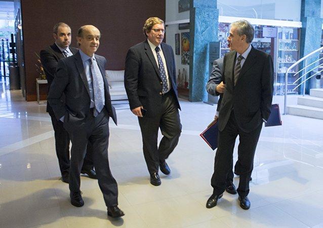 Parlamentarios europeos Fernando Maura, Gabriel Mato y Ramón Jáuregui