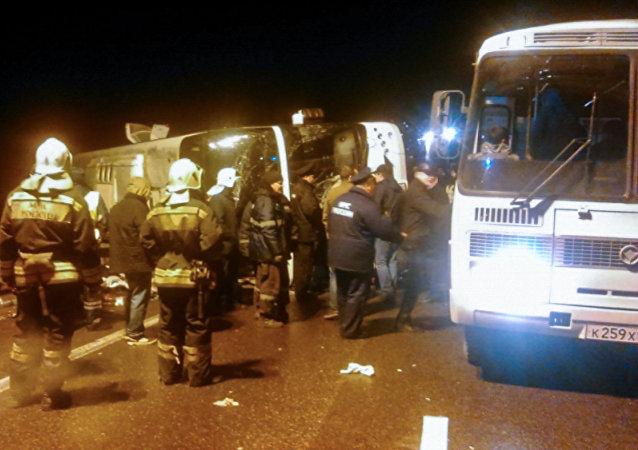 El lugar del accidente del autobús Moscú-Ereván en la región de Tula