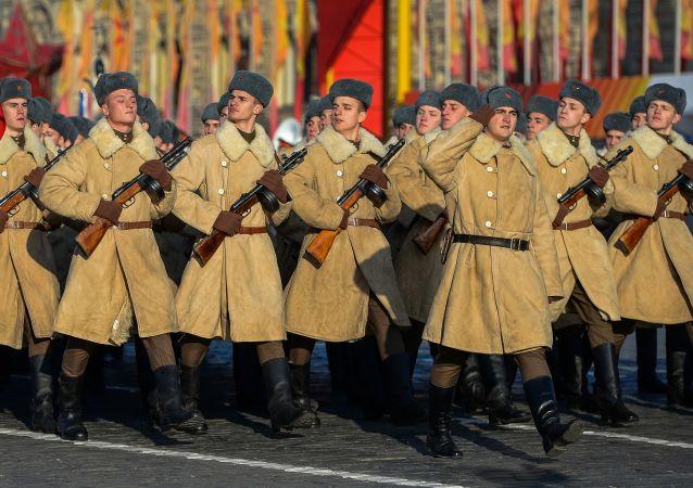 Marcha solemne dedicada a la histórica parada de 1941 en Moscú
