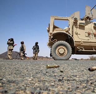 Combatientes armados de las fuerzas leales al presidente yemení, apoyado por Arabia Saudita, Abd Rabbuh Mansur al-Hadi