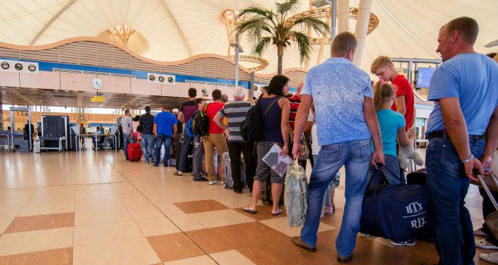 Ciudadanos rusos en el aeropuerto de Sharm el-Sheikh