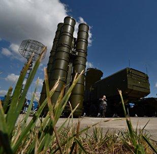 Los sistemas de defensa antiaérea rusos S-300
