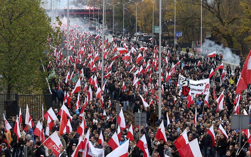 Marcha de nacionalistas en la capital de Polonia