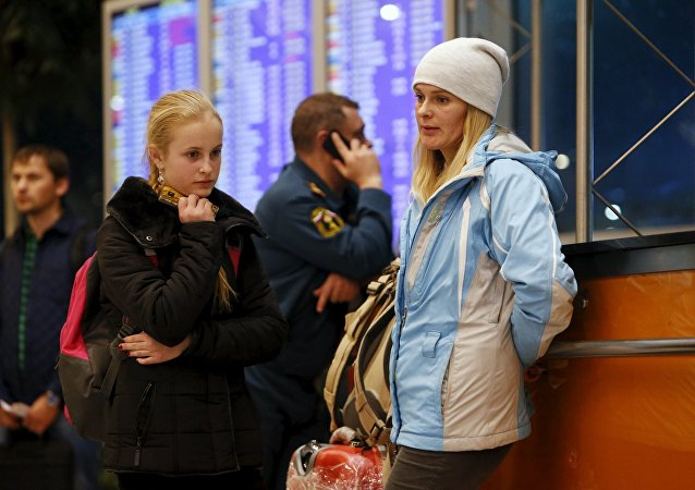Turistas rusos en el aeropuerto de Domodédovo de Moscú