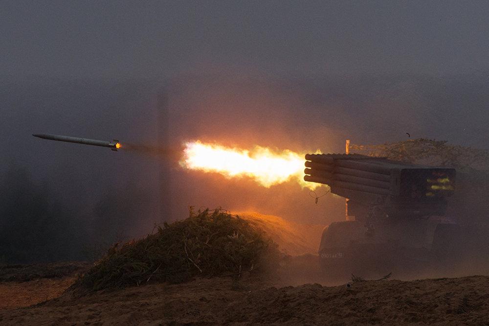 Entrenamiento de los cadetes de la Academia de Artillería Mijálovskaya