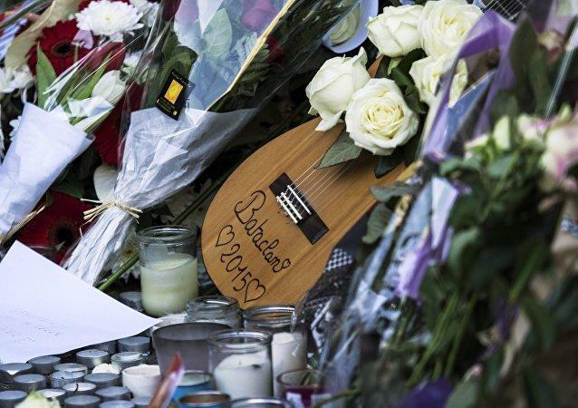 Homenaje a las víctimas de los atentados en París