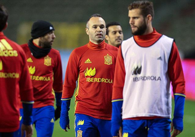 La selección española durante las preparaciones para el partido amistoso Bélgica-España