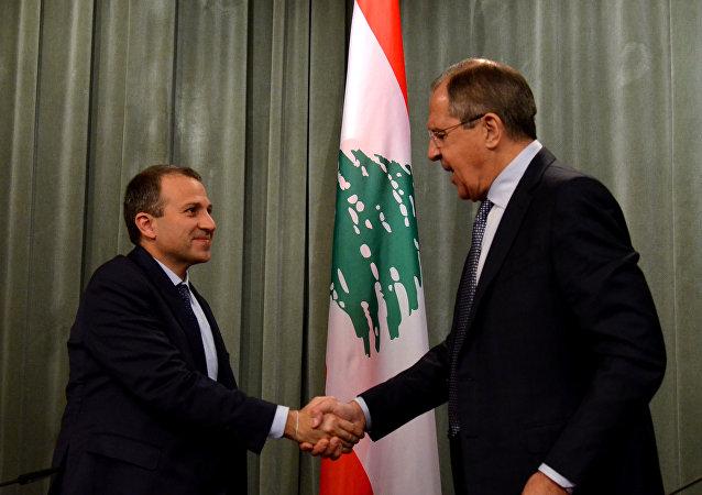 Ministro de Exteriores de Líbano, Yebran Basil, y ministro de Exteriores de Rusia, Serguéi Lavrov