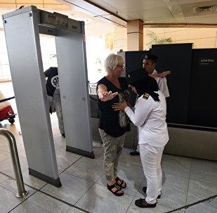 Control de seguridad en el aeropuerto de Sharm El-Sheikh
