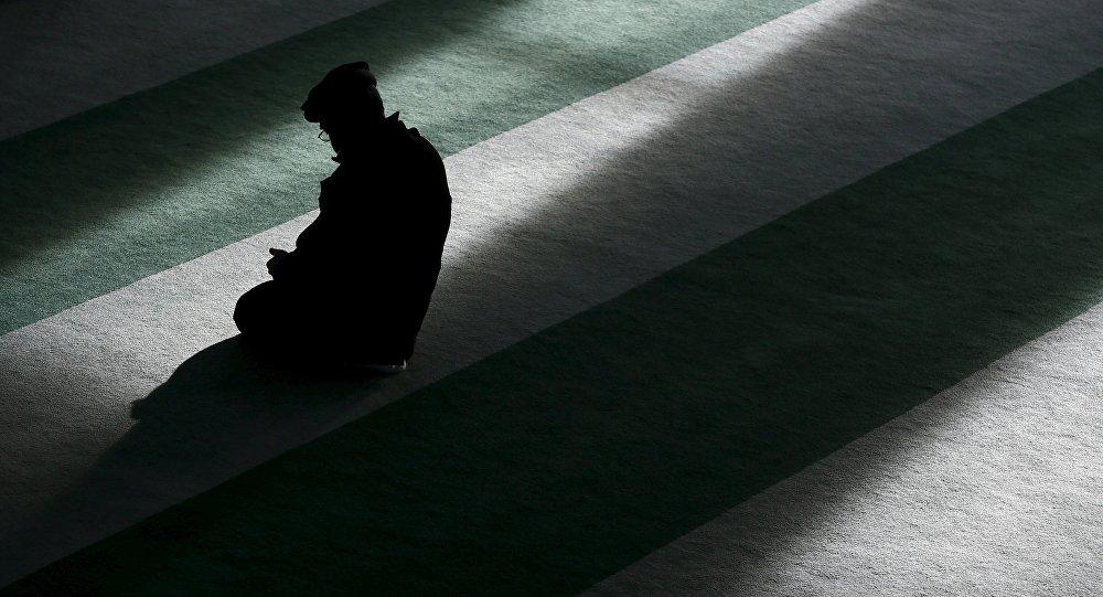 Un musulmán rezando (imagen referencial)