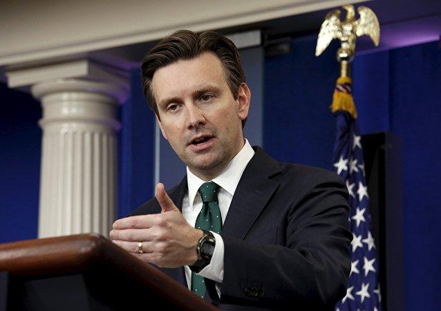 Josh Earnest, secretario de prensa de la Casa Blanca