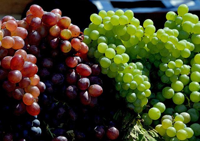 Comer 12 uvas es un ritual común de fin de año en Latinoamérica