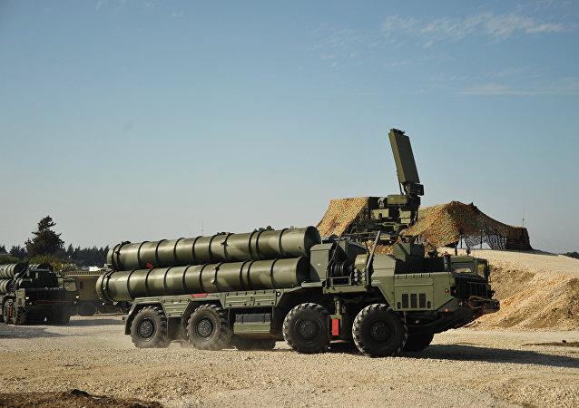 Sistema antiaéreo ruso S-400 Triumf en Siria