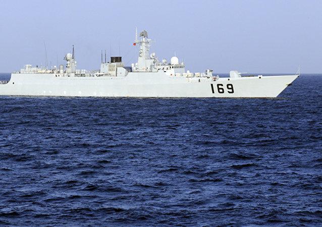 Buque de guerra chino durante operación antipiratería en el Golfo de Adén (Archivo)