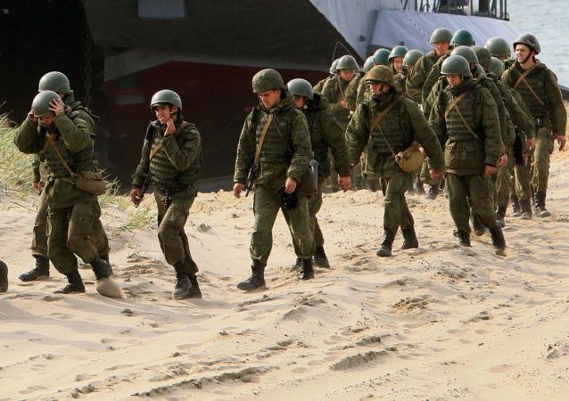 Soldados rusos durante maniobras en el óblast de Kaliningrado (Archivo)