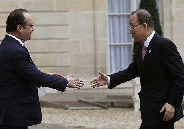 François Hollande, presidente de Francia y Ban Ki-moon, secretario general de la ONU
