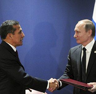 Presidente de Perú, Ollanta Humala y presidente de Rusia, Vladímir Putin