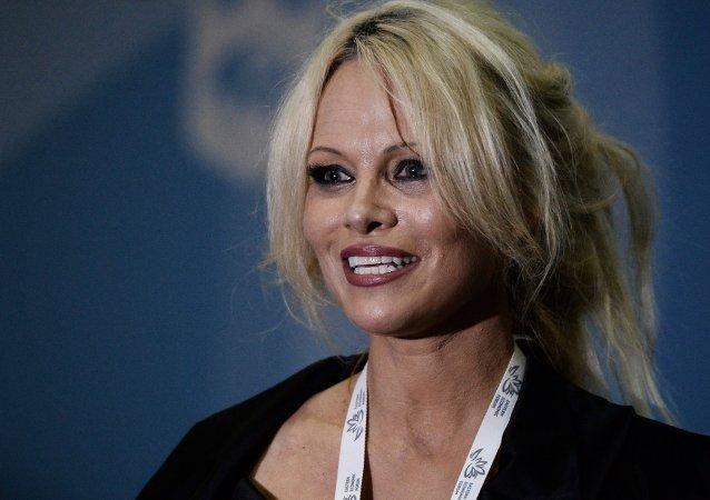 Pamela Anderson, actriz estadounidense