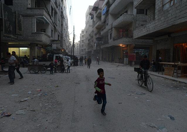 Refugiados de barrios sirios, tomados por los integrantes del EI