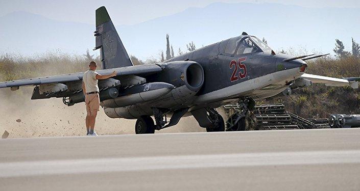 Un caza ruso en la base aérea de Hmeymim