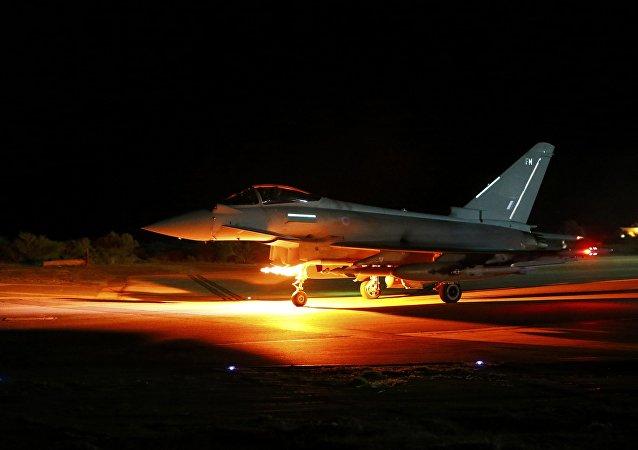 Caza británico Typhoon en la base de Akrotiri eb Chipre
