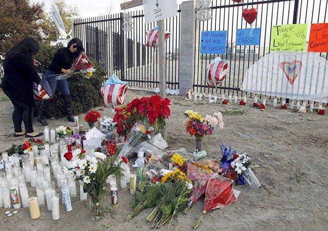 Memorial por las víctimas levantado en San Bernardino