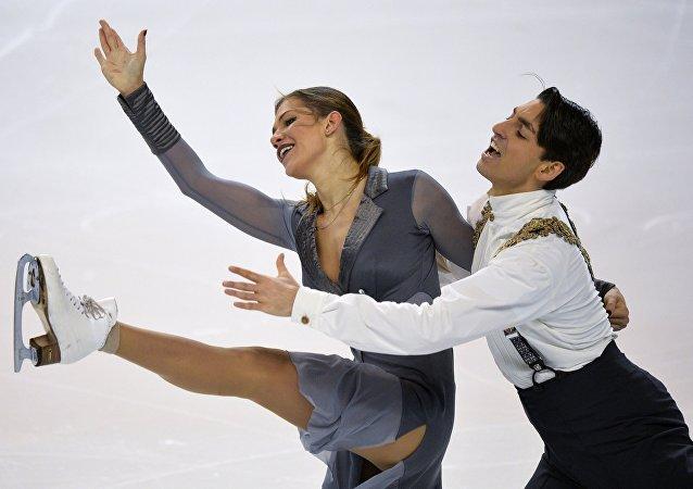 Pareja turca de patinaje formada por Alisa Agafonova y Alper Ucar